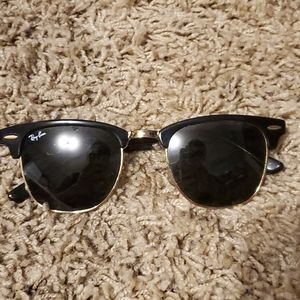 Ray-Ban Clubmaster Sunglasses Black and Gold